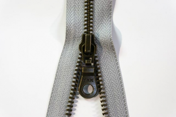 YKK teilbarer Reißverschluss Metall hellgrau Ökotex 100