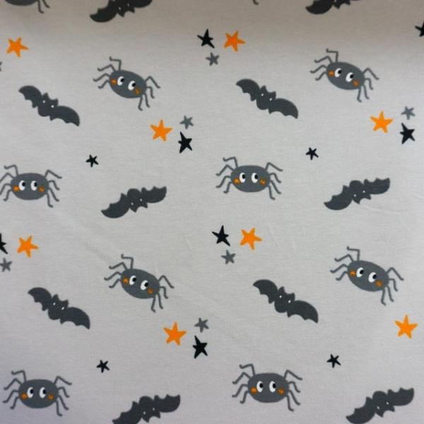 Baumwolljersey Halloween Spinnen und Fledermäuse hellgrau Ökotex 100
