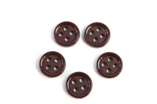 Hemd oder Blusenknopf 11 mm braun