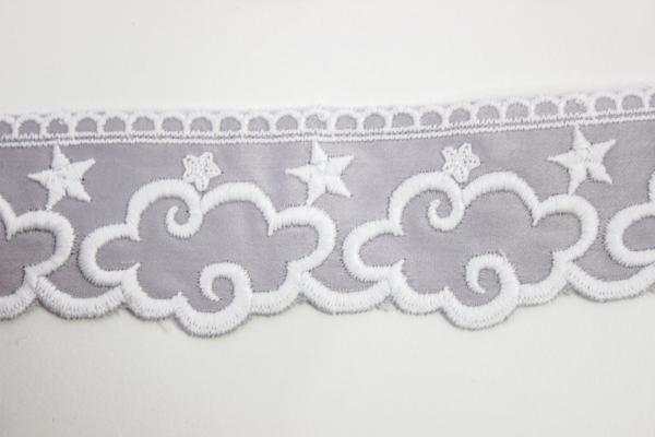 Bestickte Baumwoll Borte Wolken grau 5cm Ökotex 100