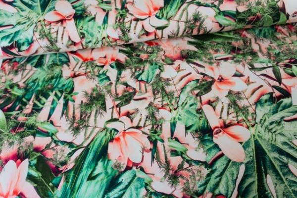 Baumwolljersey DIGITAL Wild Magnolia pastellrosa-grün Ökotex 100
