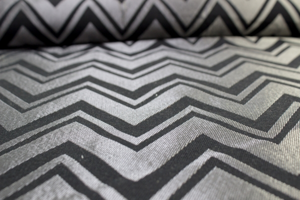 Baumwoll Taschen-/Dekostoff Chevron schwarz-silber metallic