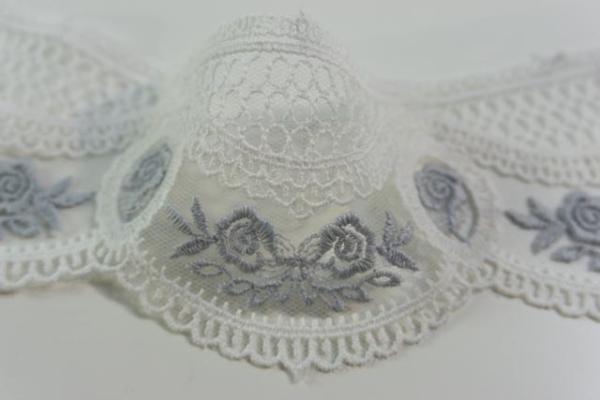 Bestickte Spitzenborte Rosen weiß-jeansblau 7cm Ökotex 100