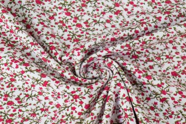 Baumwolljersey kleine Rosenranken weiß-rot Ökotex 100