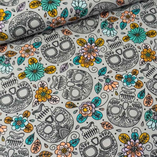 Baumwollwebware Flowers And Skulls hellgrau